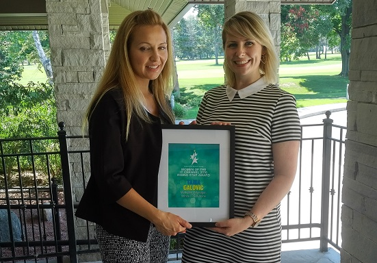 2016 CDN Rising Star winner Tania Galovic of Infinite IT Solutions with 2015 champion Aoife McMonagle of Scalar Decisions